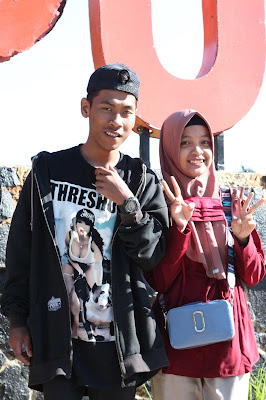 Jadi Baru Kebumen 2018 Tour To Bandung, Best Momen- eka kris foto di depan tulisan kawah putih