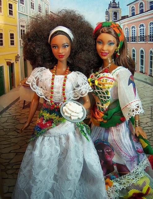 Barbie- La guerre entre Défrisées et Crépues