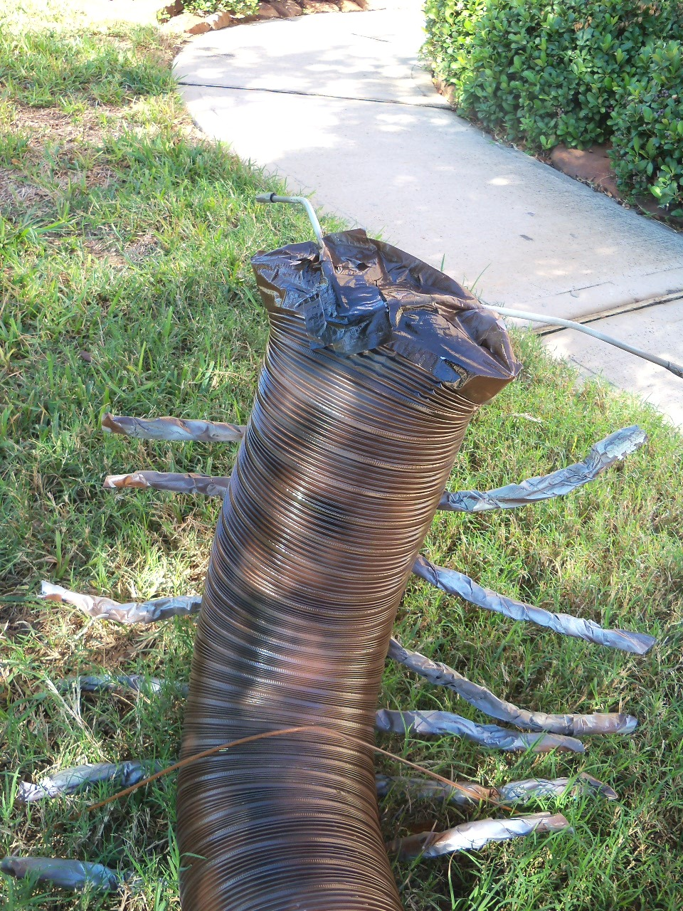 Make A Giant Centipede For Your Yard Using An Aluminum Air