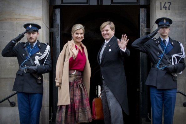 Queen Maxima and Princess Beatrix at New Years reception. Maxima wore Natan dress, Natan pumps