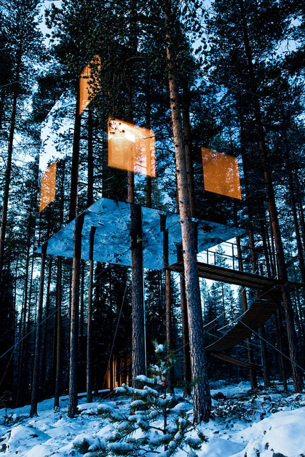 Fusion magazine the invisible treehotel the mirrorcube for Cube suites istanbul