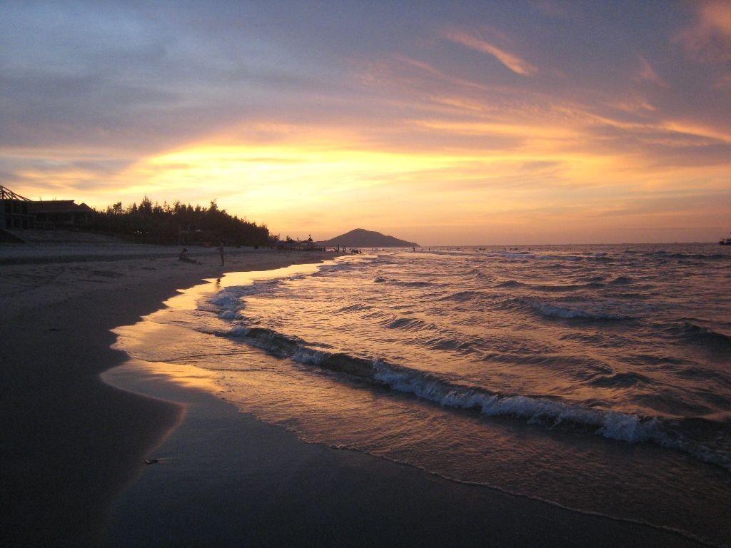 t1: Biển Thiên Cầm,Nơi Bình Minh Thức Dậy