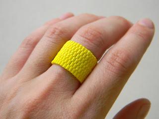 купить широкое яркое кольцо из бисера украшения из бисера россия крым