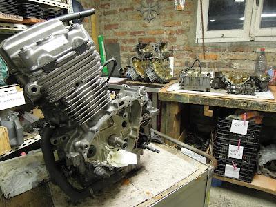 3 moteurs de CB 500 pour en faire un de compétition - Pierre Volpatti