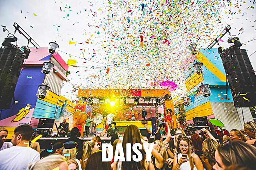 win, winactie, festival, kaarten, tickets, winnen, giveaway, daisy, daisyfestival, festivalreporter, festivalvlogger, festivalblogger, nederlandse blogger, festivalseizoen, tilburg, nederland, muziek, dj, influencer,La Vie Fleurit,