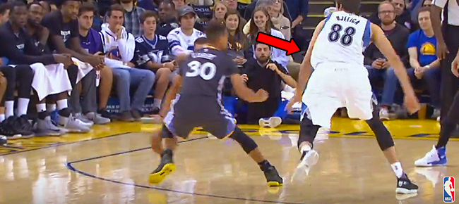 Steph Curry's Dribble Exhibition Leads to Layup (VIDEO)