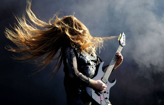ouvindo-heavy-metal