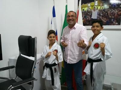 Alagoinhas: Vereador Jorge da Farinha comemora conquistas de karatecas alagoinhenses em competição internacional