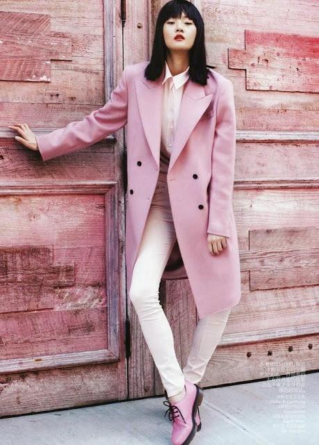 cách phối đồ nữ mùa đông với áo khoác hồng