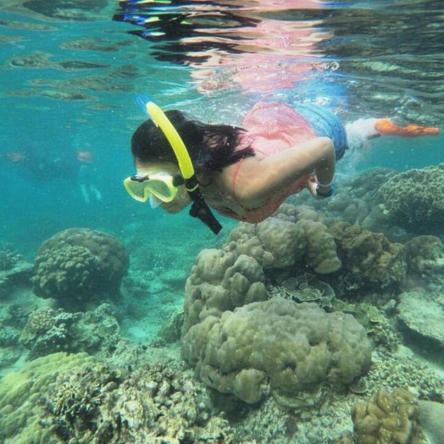 foto snorkeling di pulau tunda
