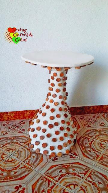 mesa-papel-y-corchos