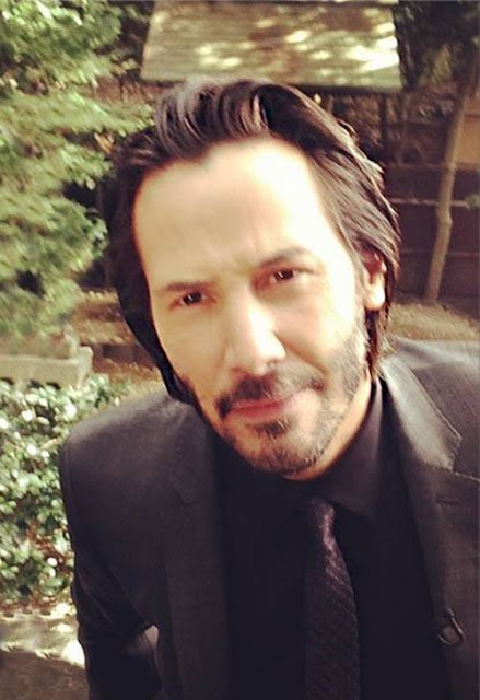 http://crazyaboutkeanureeves.blogspot.it/2013/11/blog-post_5213.html