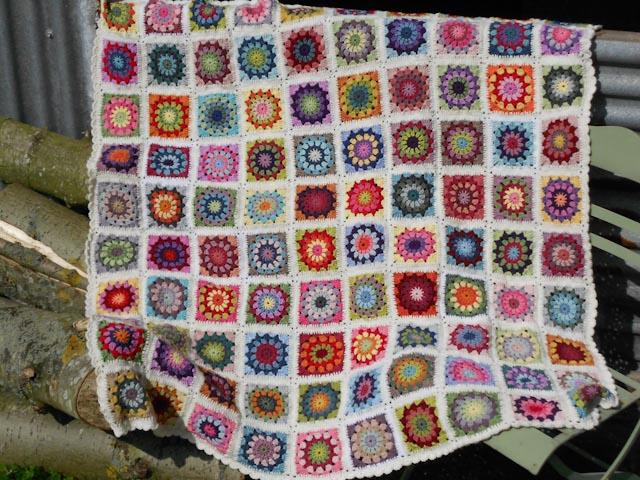Granny Circle Blanket With Pattern Mybearpaw Blog By Jo Avery