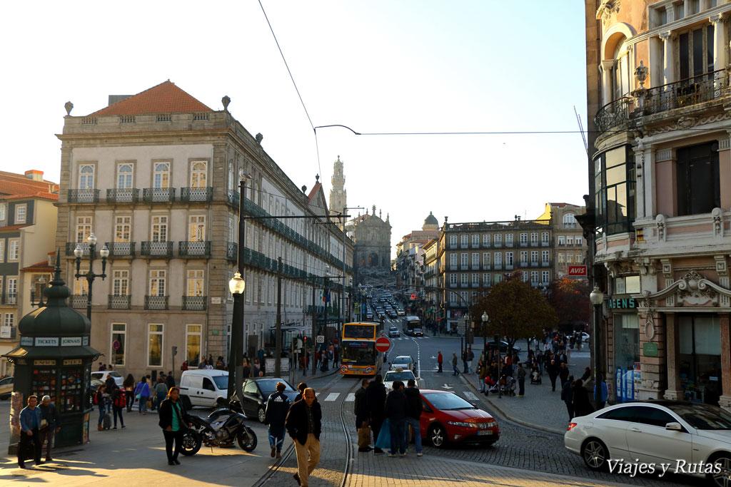 Unión de Rua 31 de janeiro con praza da Liberdade de Oporto