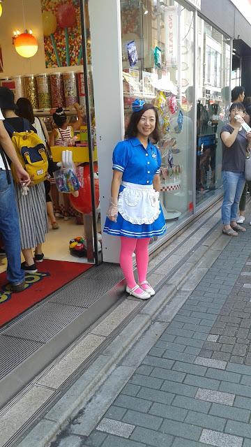 Takesita Dori, vendedora de dulces