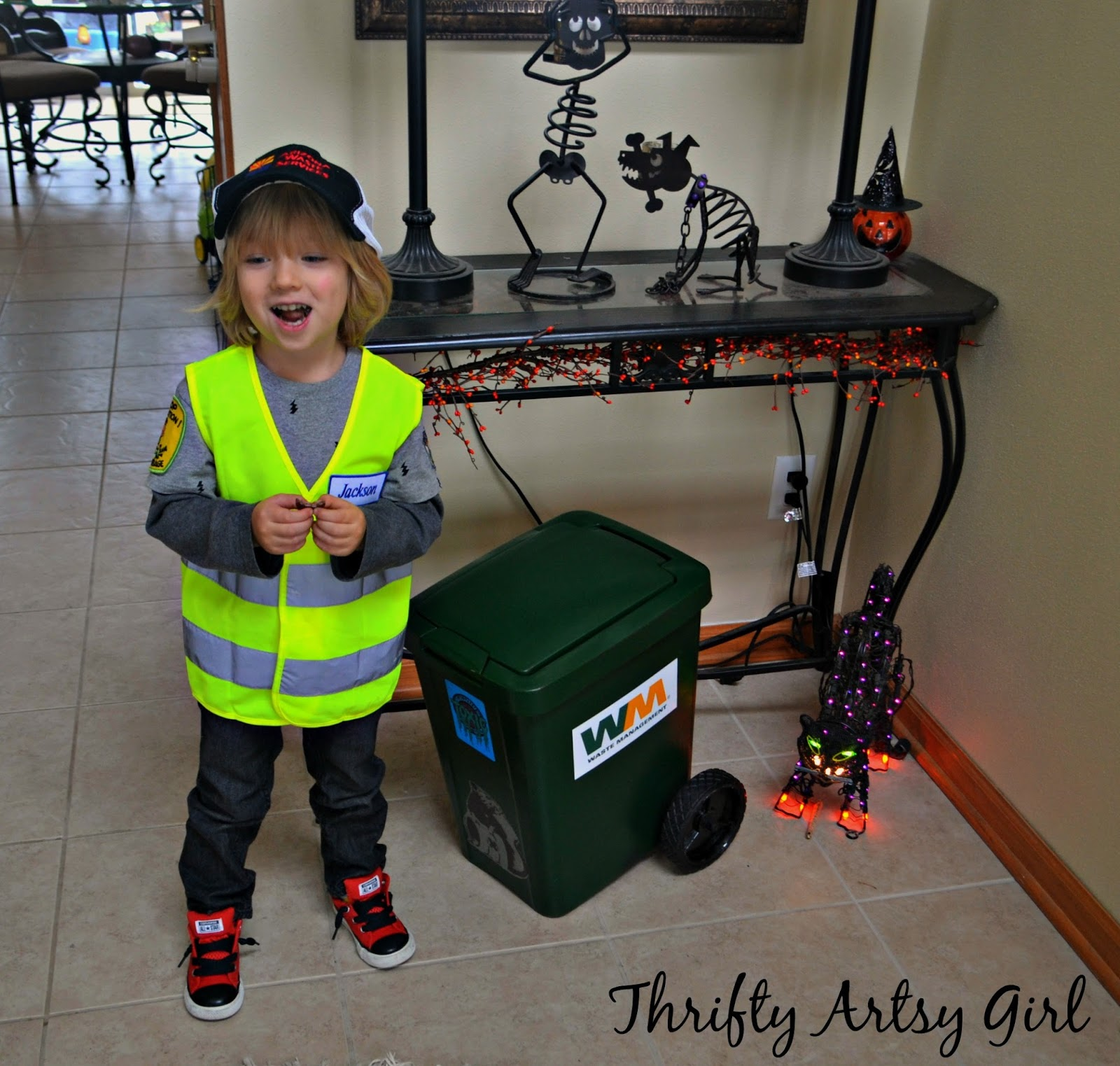 Thrifty Artsy Girl: Take Out the Trash: DIY Toddler Sized