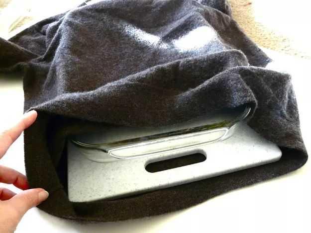 قم بتغليف الأشياء القابلة للكسر داخل أكياس مبطنة او ملابس قديمة