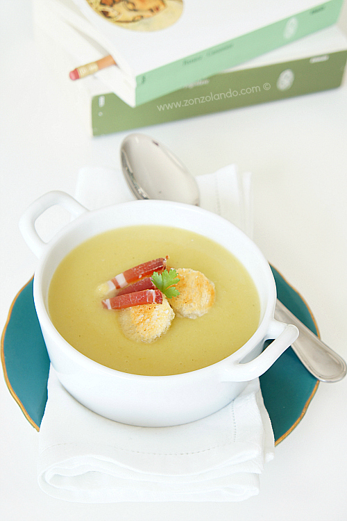 Passato di porri e patate crema ricetta - smooth light leeks and potato soup recipe