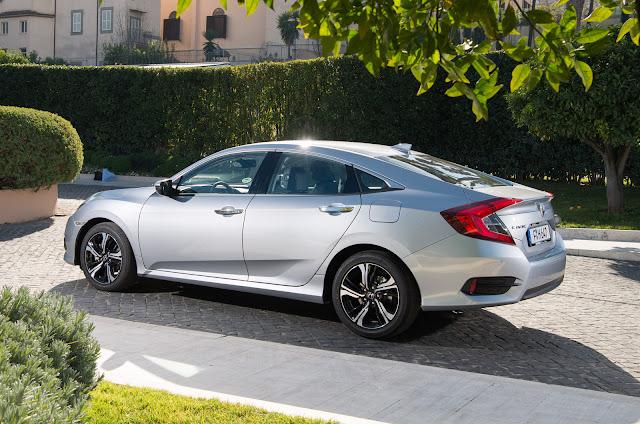 2018 New Honda Civic saloon side view