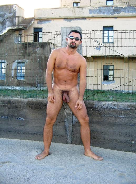 Naked middle eastern men
