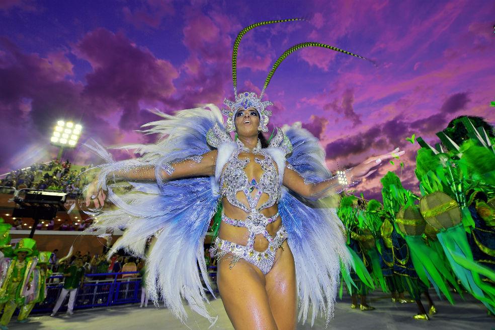 Entre brillos y colores, Río de Janeiro criticó la corrupción ...