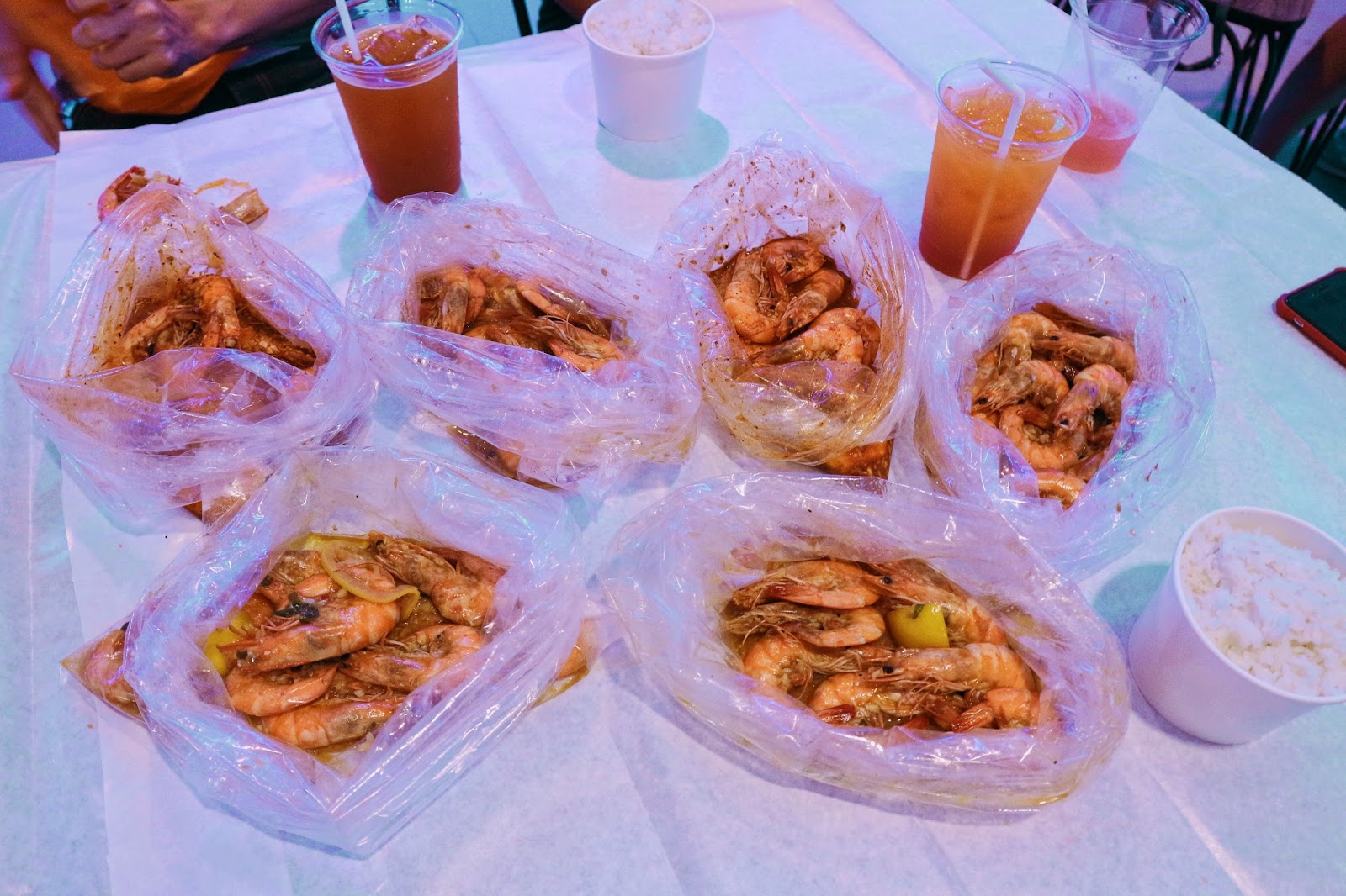 Unlimited shrimps at Blue Posts for only P911 for 2