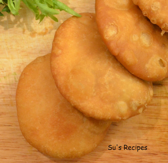 kastha kachori, moong dal kachori, kachori chat, crispy kachori, north india chat, indian chats, indian street food, samosa kachori, kachori recipe