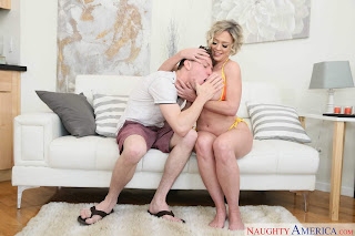 Dee-Williams-%3A-Gets-oiled-up-before-banging-her-sons-friend-%23%23-NAUGHTY-AMERICA-g7ae44gx7g.jpg