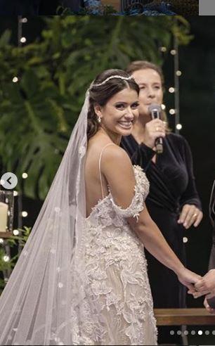 Fabrica de Casamentos 2019 Vestidos