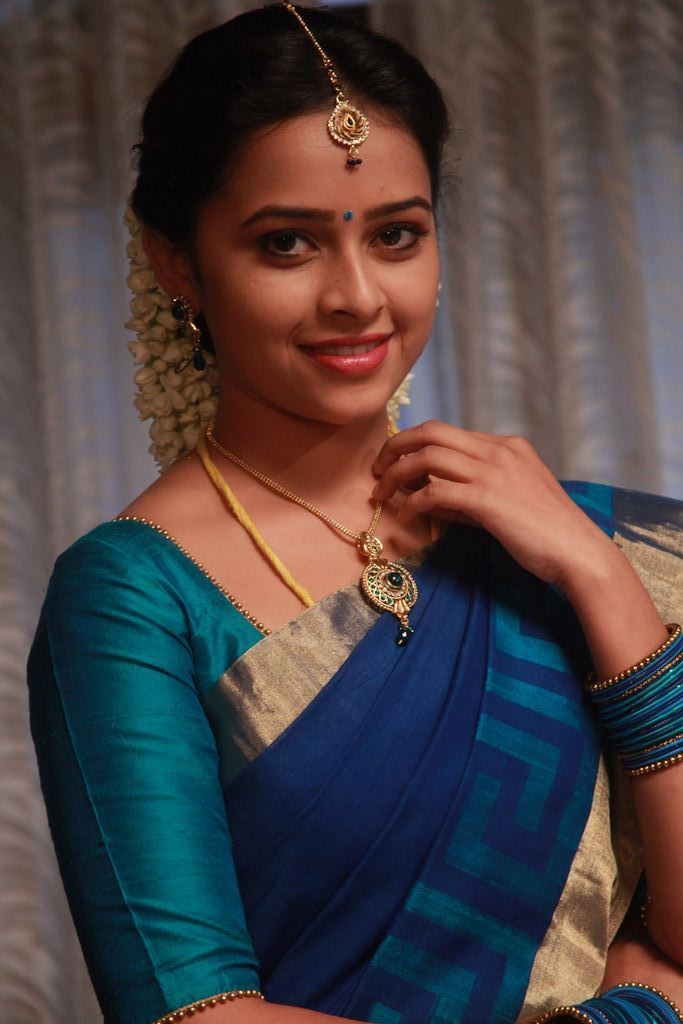Vellakkara Durai Movie Stills 18 - Actress Sri Divya's Hot & Spicy Images In Saree|Top 25-Spicy Photos|decide to go NO Glamour in Her Movies