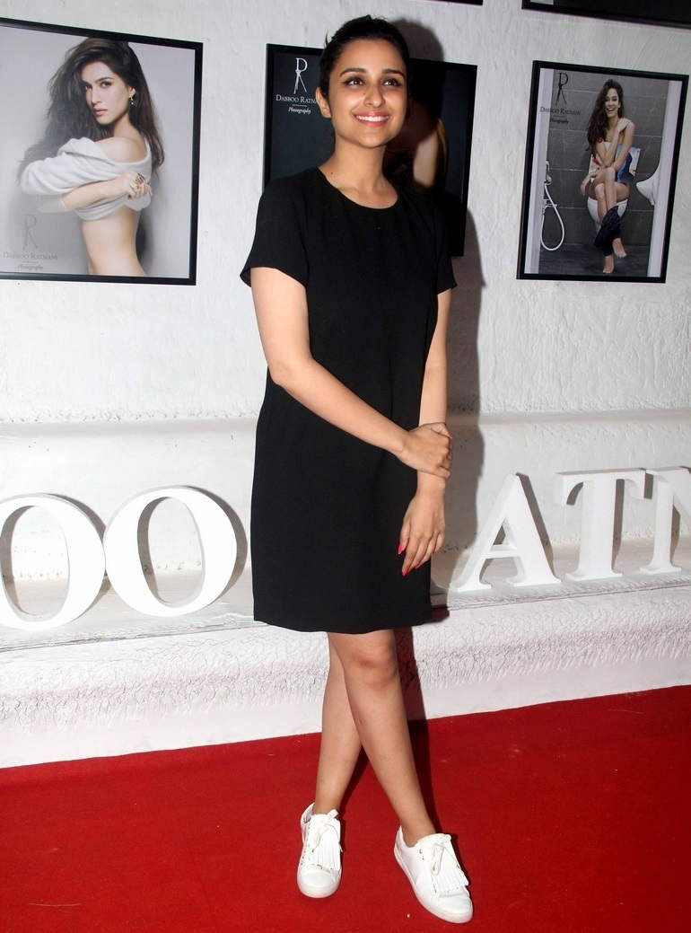 Hindi Girl Parineeti Chopra Long Legs Thighs Show In Mini Black Dress