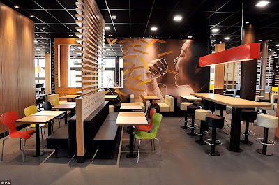 Inilah Restoran McDonald's Terbesar Di Dunia