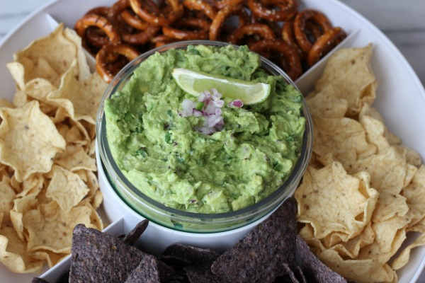 Homemade Guacamole {Chipotle Recipe}