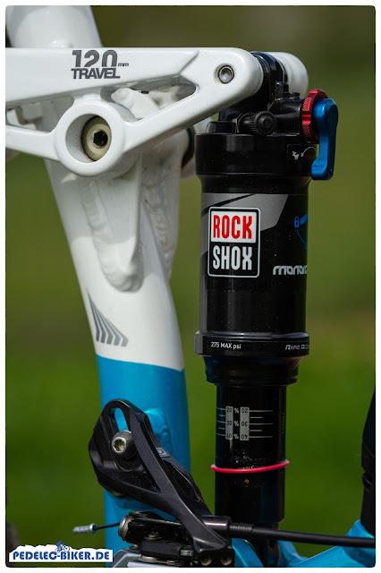 Druckstufe und Zugstufe lassen sich am Rock Shox Dämpfer des Haibike FullLife einfach einstellen.
