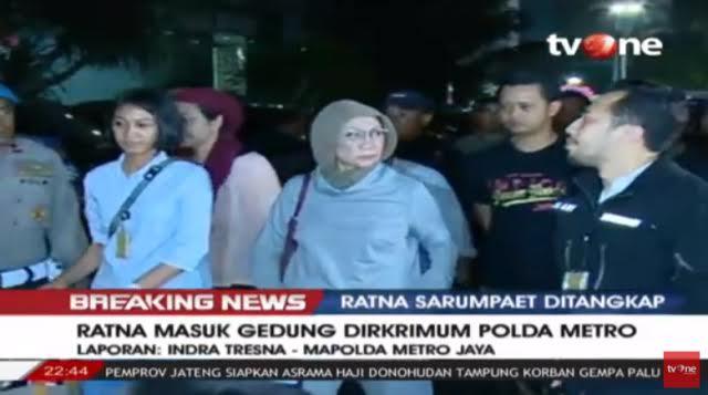 Tiba di Polda Metro Jaya, Ratna Sarumpaet Bungkam