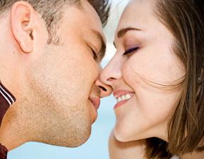 10 Manfaat Ciuman Bibir Dan Bahaya Ciuman Bibir