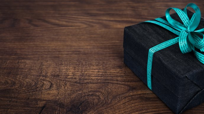 Wallpaper: Gift Box in a Fashion Style
