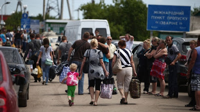 06/27/2015 Ukraine: Daily Highlights - The UNHCR reported more than 900 thousand refugees from Ukraine