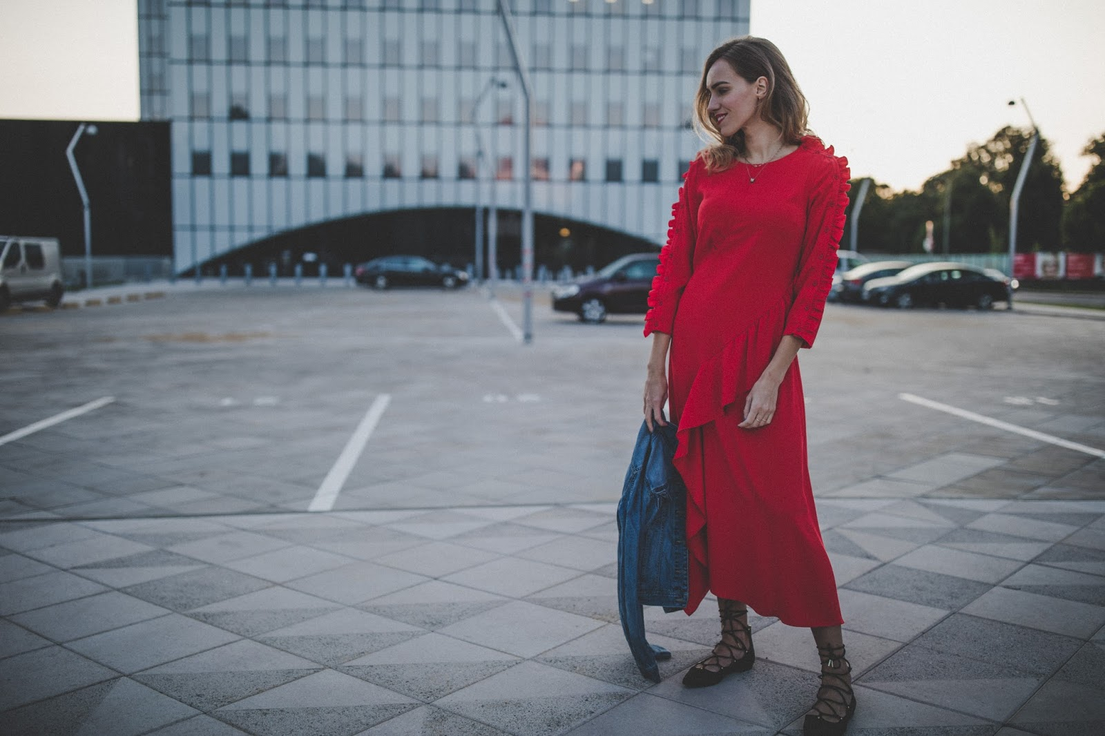 red ruffle sleeve midi dress fall outfit