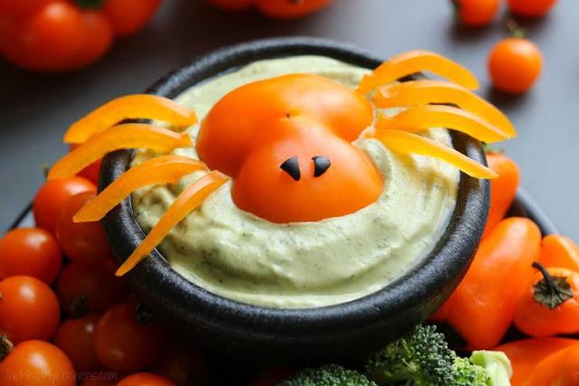 перец, перец сладкий, перец болгарский, паук из перца, из перца, украшение салатов, украшение блюд, украшения из овощей, украшения на Хэллоуин, паук, как сделать паука из болгарского перца, декор блюд, декор блюд на Хэллоуин, блюда с пауками,