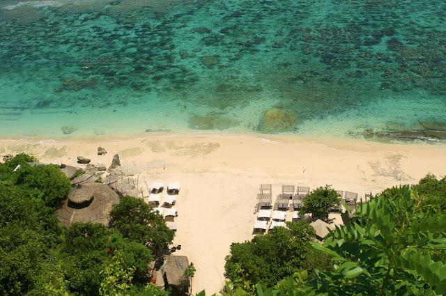Pantai Karma yaitu Pantai Hits di Bali