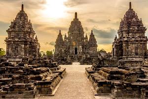 Risultati immagini per ramayana temple java