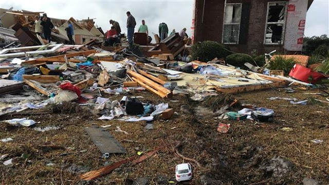 US storms kill 18 people in Georgia and Mississippi