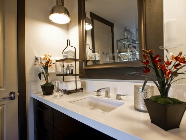 Modern Furniture: HGTV Dream Home 2014 : Master Bathroom