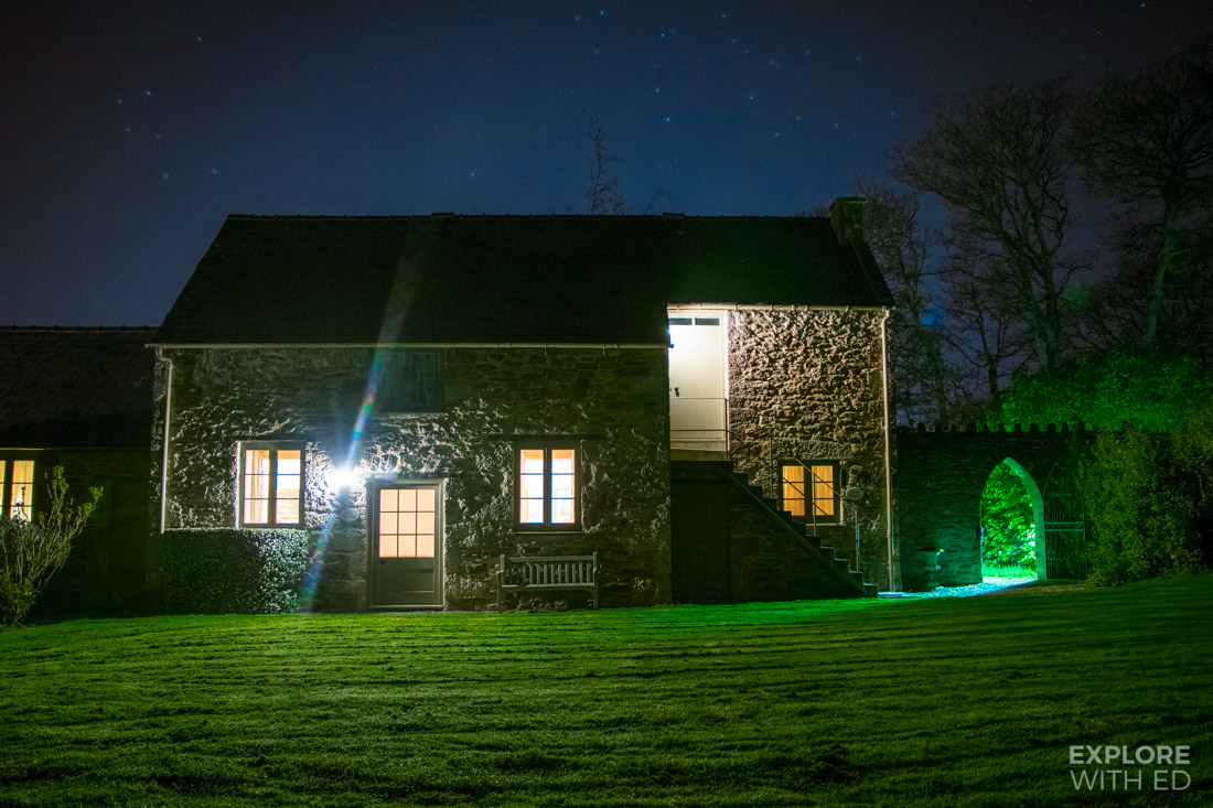 The Smithy Cottage on a clear starry night