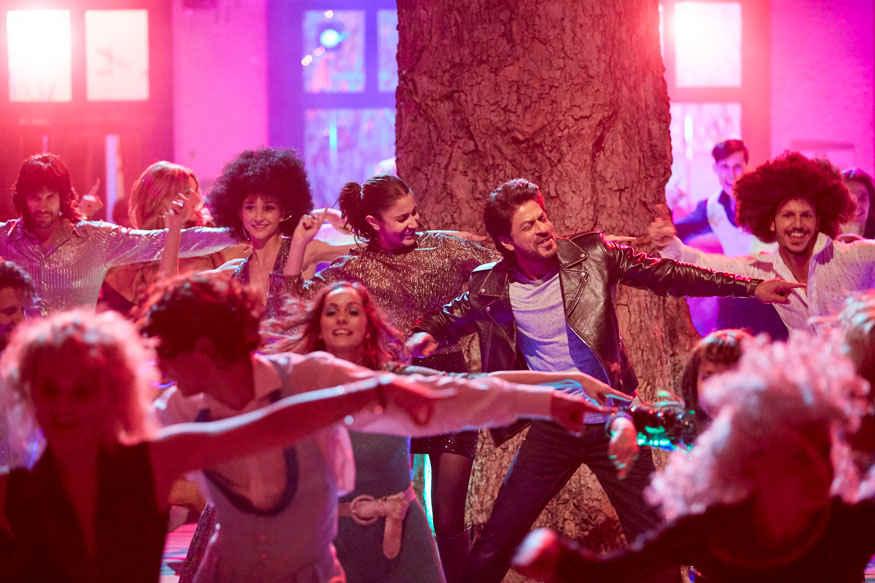 Shah Rukh Khan and Anushka Sharma In A Scene from Jab Harry Met Sejal