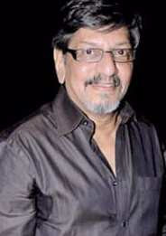 Amol Palekar movies, songs, shyamalee palekar, chitra palekar, wife, death, family, movie list, best movies, films, movies of, golmaal, daughter, wiki, biography, age