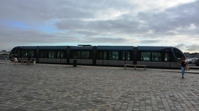 Place de la Bourse Bordeaux tram