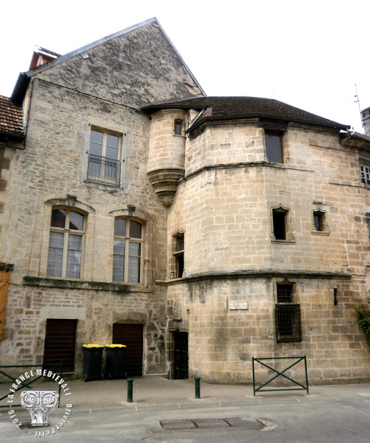 ORNANS (25) - Ancien Hôtel de Grospain (XVe-XVIe siècle)