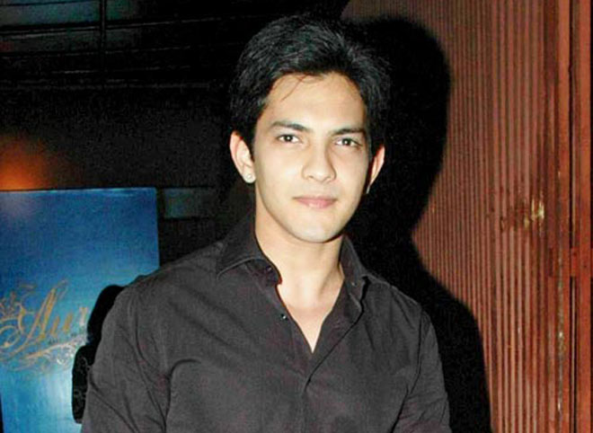 Aditya Narayan Biography, Wiki, Dob, Age, Height, Weight, Affairs and More